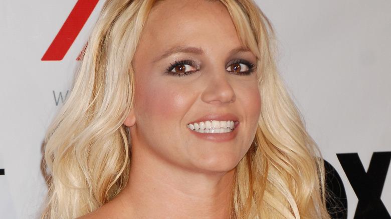 Britney Spears pelo largo