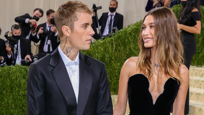 Justin Bieber y Hailey Bieber asistieron a la Met Gala 2021
