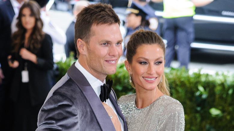 Tom Brady y Gisele Bundchen sonriendo