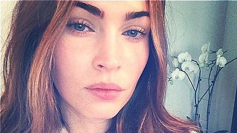 Selfie de rostro desnudo de Megan Fox
