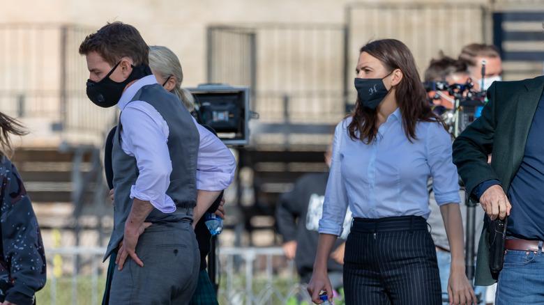 Tom Cruise y Hayley Atwell en el set de Misión Imposible