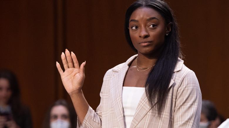 Simone Biles en la audiencia del Senado