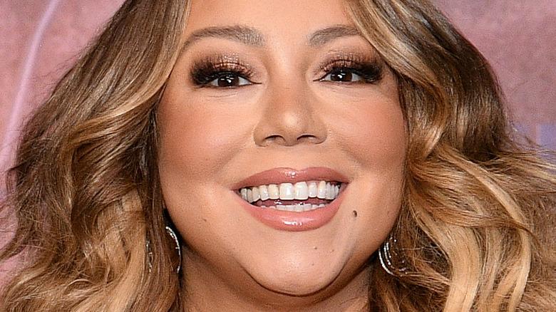 Mariah Carey sonriendo