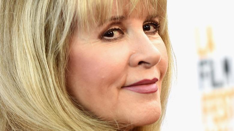 Stevie Nicks sonriendo