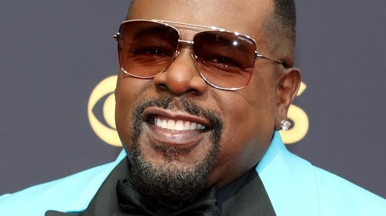 Cedric the Entertainer asistiendo a la 73a Primetime Emmy Awards